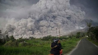 KLM wijkt uit voor vulkaan 166
