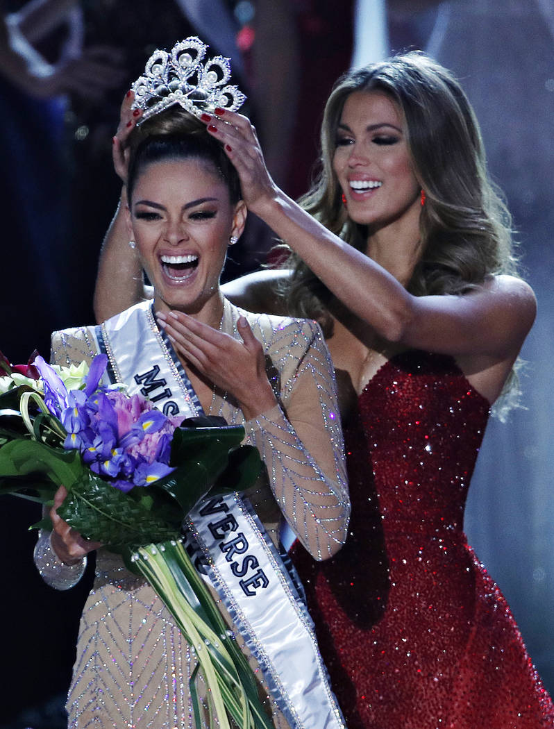 Demi-Leigh Nel-Peters  - MISS UNIVERSE 2017 - Official Thread  97008710
