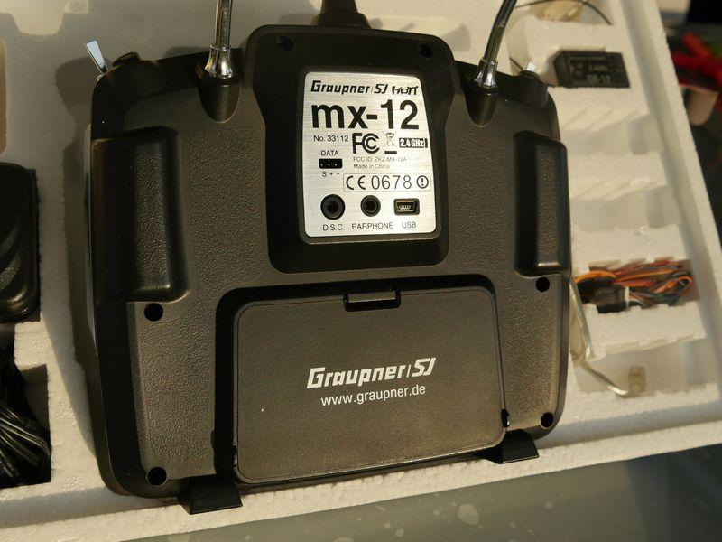 [VENDU] Radio commande 2,4 ghz Graupner MX12, reste 1 récepteur GR12 P1020511