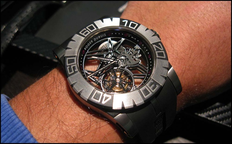 Roger Dubuis Tourbidiver chez Hall of Time Rdd110