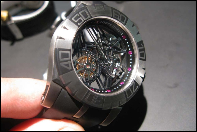 Roger Dubuis Tourbidiver chez Hall of Time Rdd510
