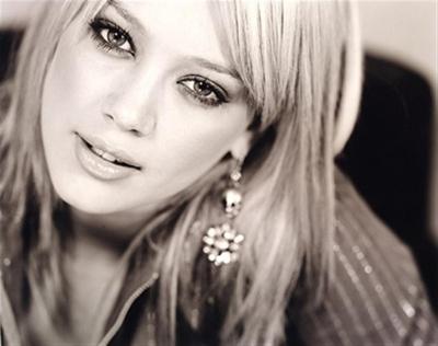 Hilary Duff 01410