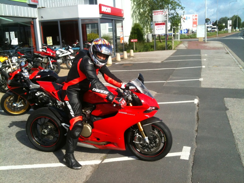 Ducati V4 - Page 8 Img_0410