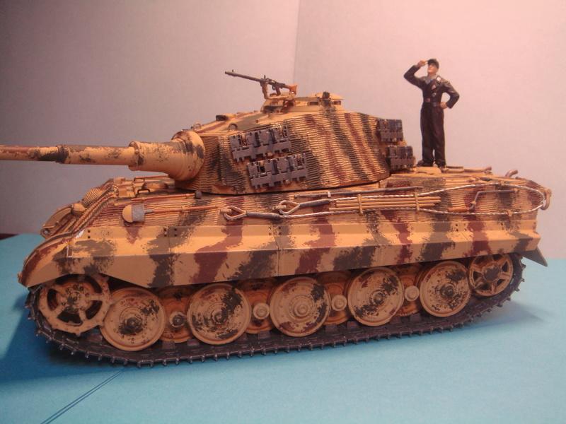 Kübelwagen type 82 1/16 Tamiya - Page 2 Dsc07510