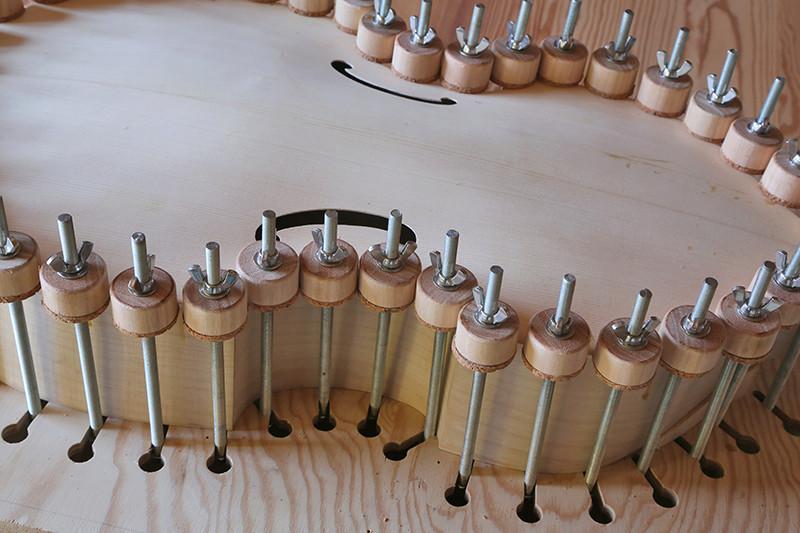 Découverte de la lutherie et fabrication d'une viole de gambe... - Page 18 09_mar12