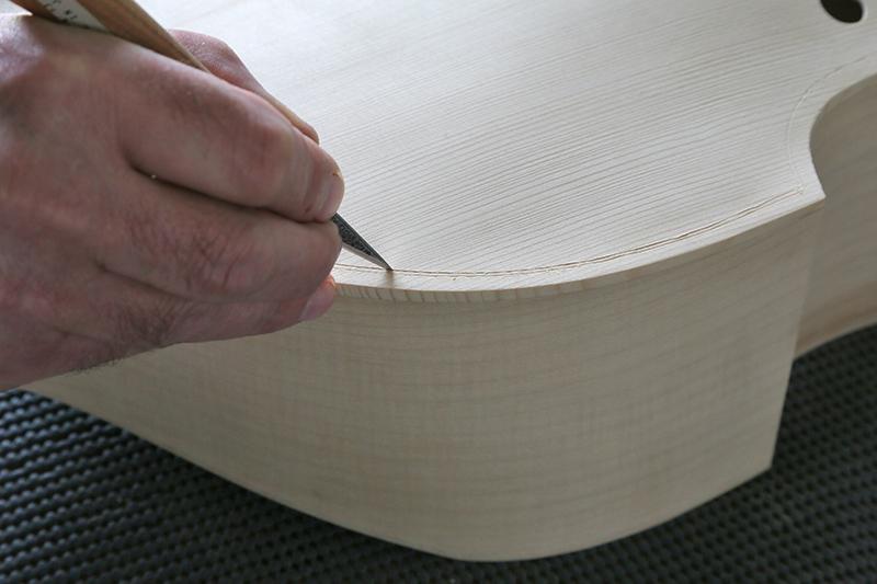 Découverte de la lutherie et fabrication d'une viole de gambe... - Page 19 10_mar12