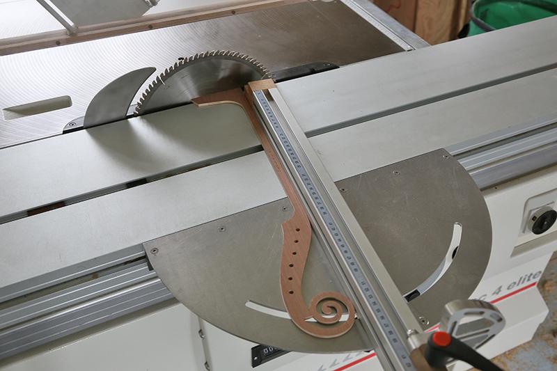 Découverte de la lutherie et fabrication d'une viole de gambe... - Page 20 11_mar40