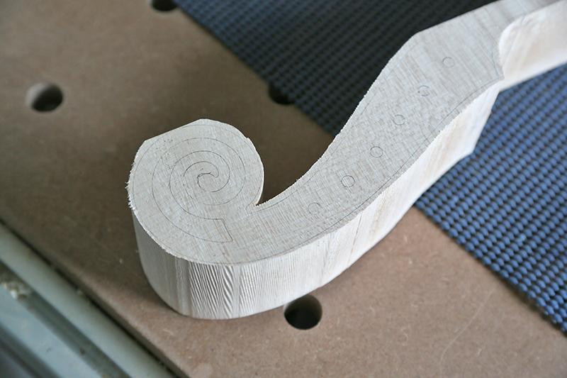 Découverte de la lutherie et fabrication d'une viole de gambe... - Page 20 11_mar43