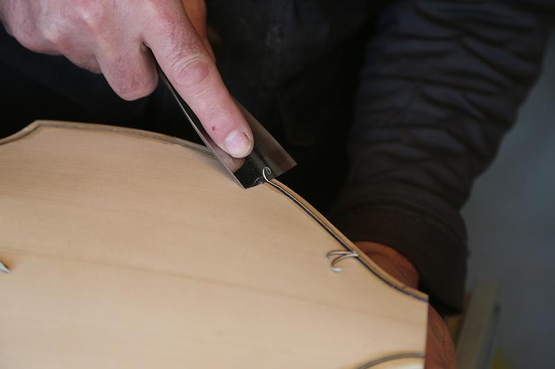 Découverte de la lutherie et fabrication d'une viole de gambe... - Page 20 11_mar51
