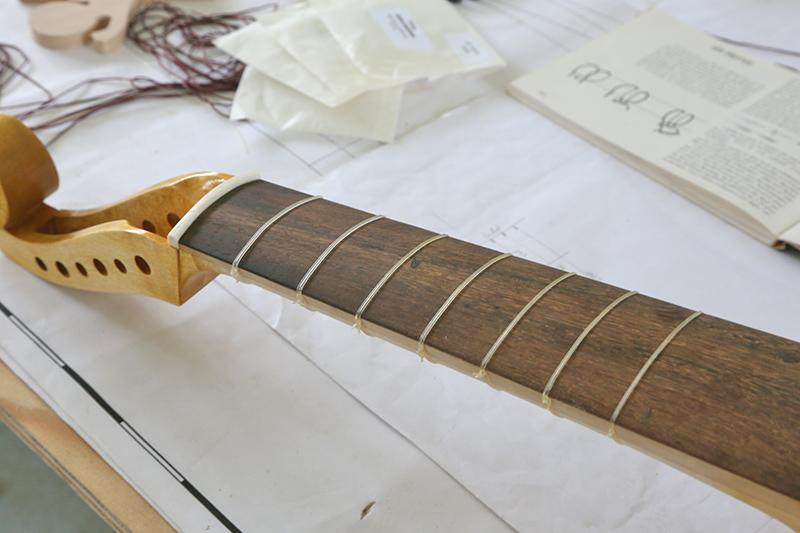 Découverte de la lutherie et fabrication d'une viole de gambe... - Page 32 12_avr15