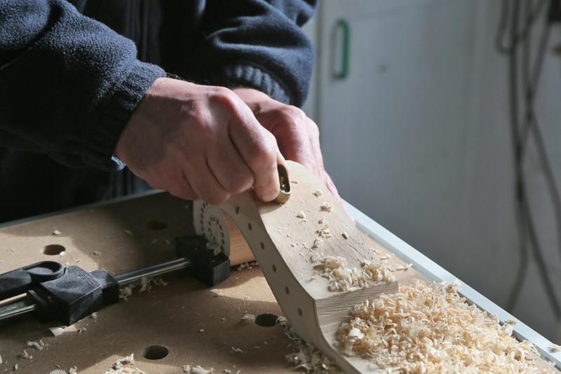 Découverte de la lutherie et fabrication d'une viole de gambe... - Page 20 12_mar13