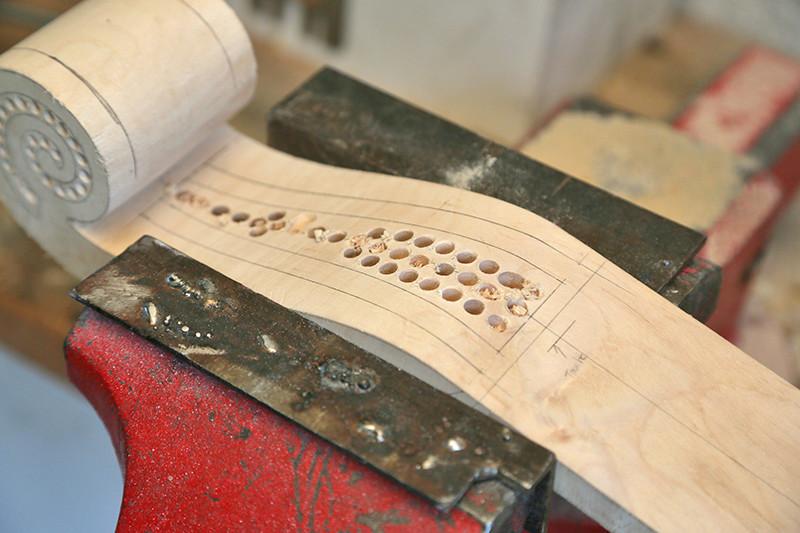 Découverte de la lutherie et fabrication d'une viole de gambe... - Page 20 12_mar14