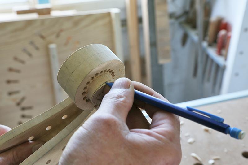Découverte de la lutherie et fabrication d'une viole de gambe... - Page 20 13_mar14
