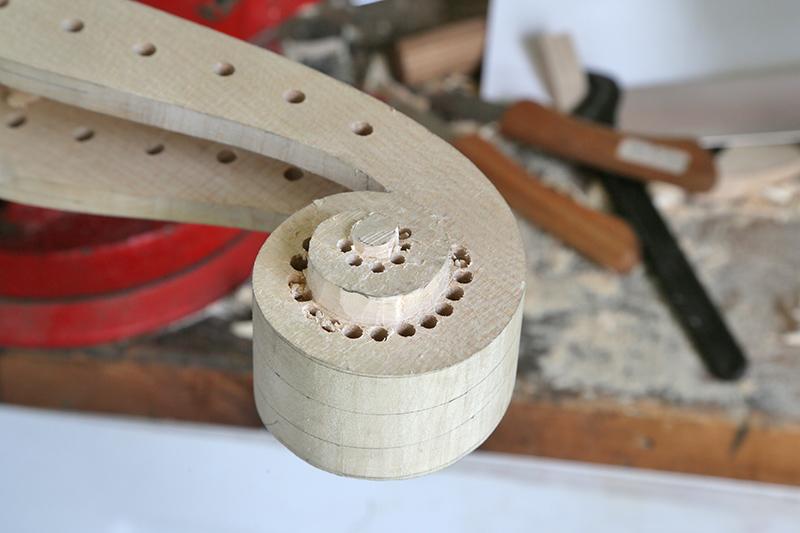 Découverte de la lutherie et fabrication d'une viole de gambe... - Page 20 13_mar16