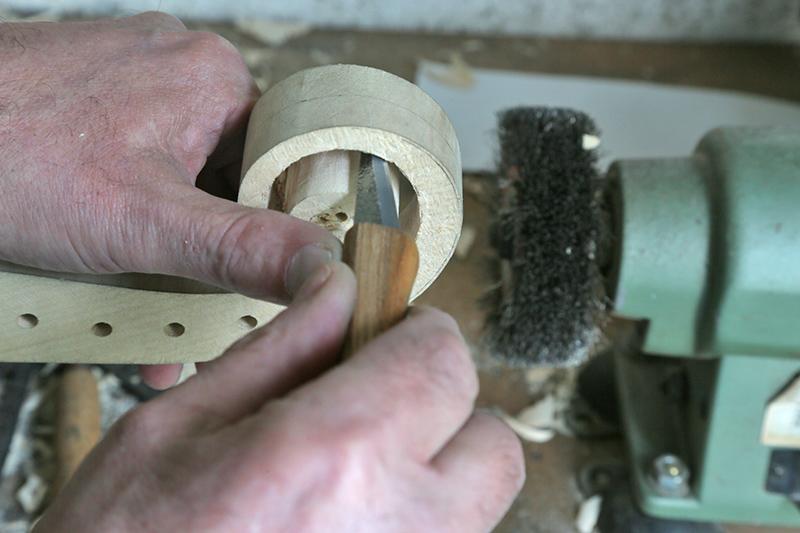 Découverte de la lutherie et fabrication d'une viole de gambe... - Page 20 13_mar17