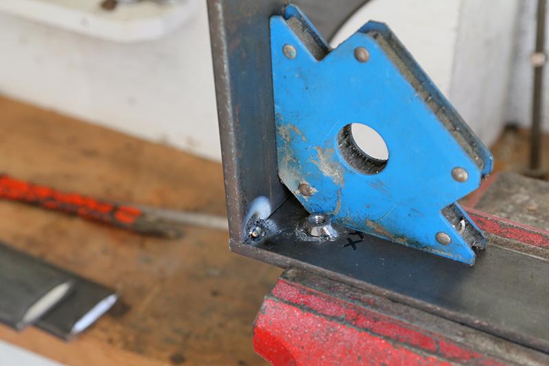 Une console bois et acier. 14_avr13