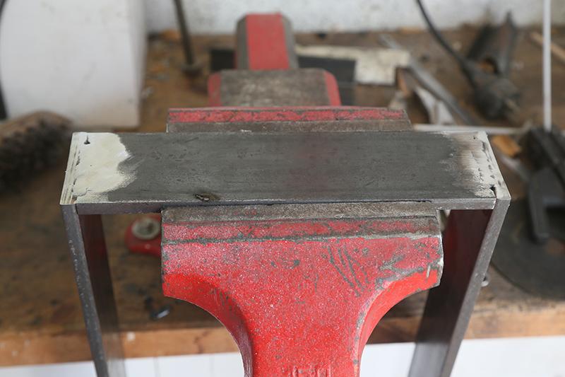 Une console bois et acier. 14_avr15