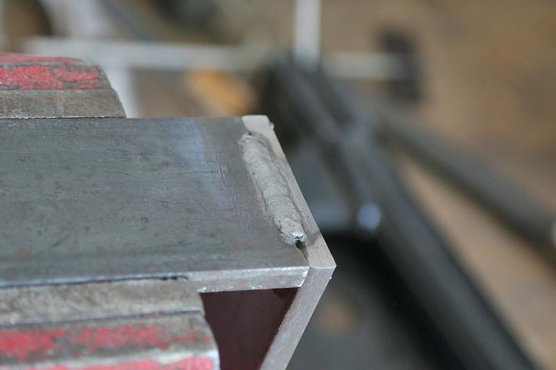 Une console bois et acier. 14_avr16
