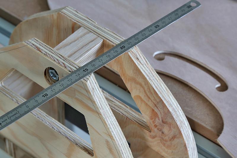 Découverte de la lutherie et fabrication d'une viole de gambe... - Page 5 19_jan12
