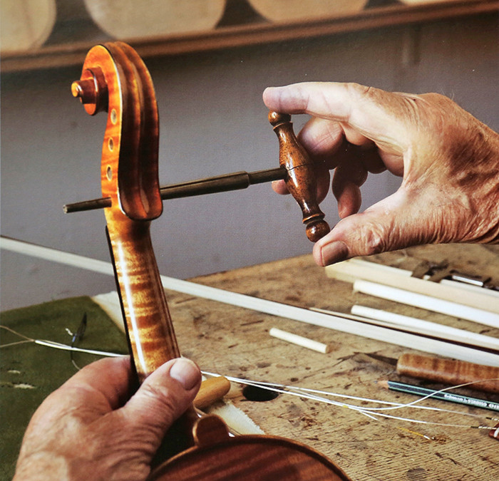 Découverte de la lutherie et fabrication d'une viole de gambe... - Page 2 21_dyc10