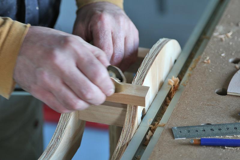 Découverte de la lutherie et fabrication d'une viole de gambe... - Page 6 22_jan14