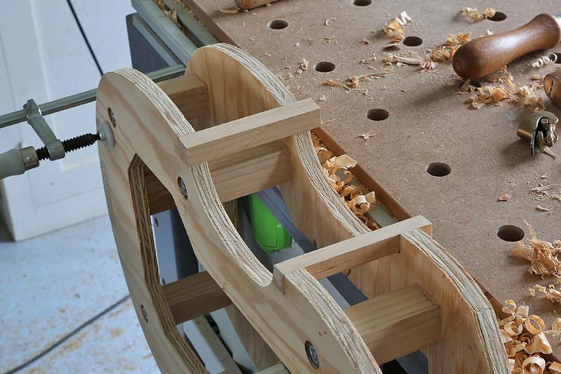 Découverte de la lutherie et fabrication d'une viole de gambe... - Page 6 23_jan12