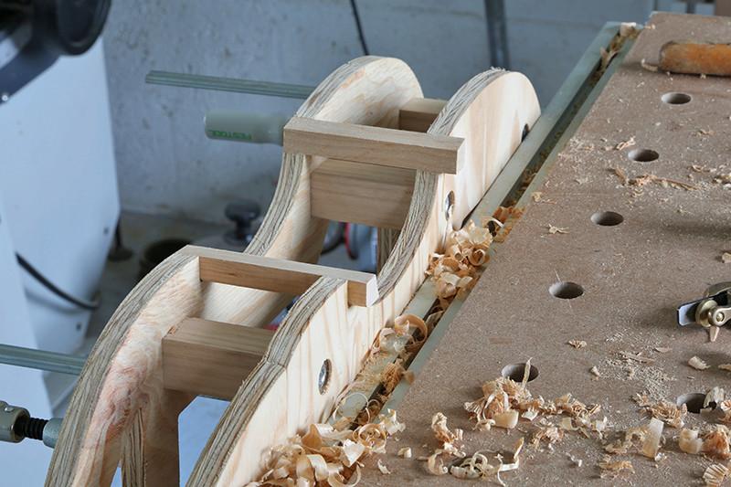 Découverte de la lutherie et fabrication d'une viole de gambe... - Page 6 23_jan14