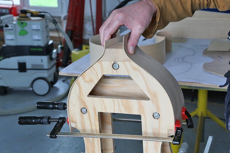Découverte de la lutherie et fabrication d'une viole de gambe... - Page 7 28_jan13