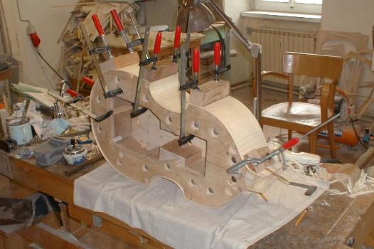 Découverte de la lutherie et fabrication d'une viole de gambe... - Page 5 Sans_101