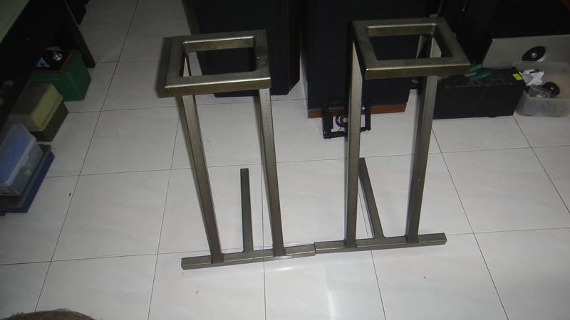 24'' speaker stand Dsc06418