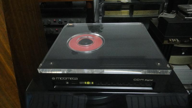 micromega CDF1 digital cd transport Dsc06460