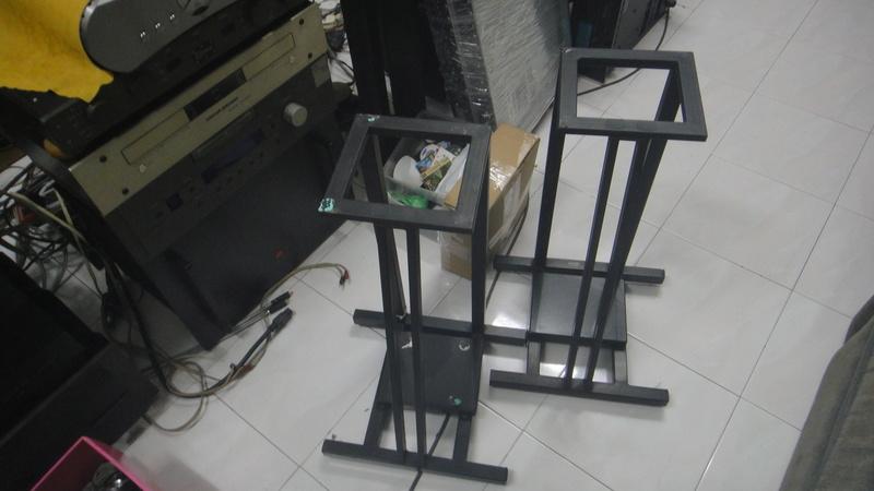 24'' speaker stand Dsc06619