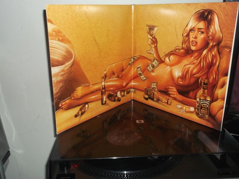 """Pochettes d'albums de métal """"Sexy"""" ! - Page 2 Airbou21"""