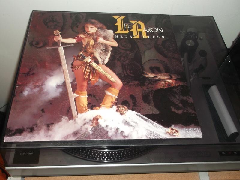 """Pochettes d'albums de métal """"Sexy"""" ! - Page 2 Lee_aa11"""