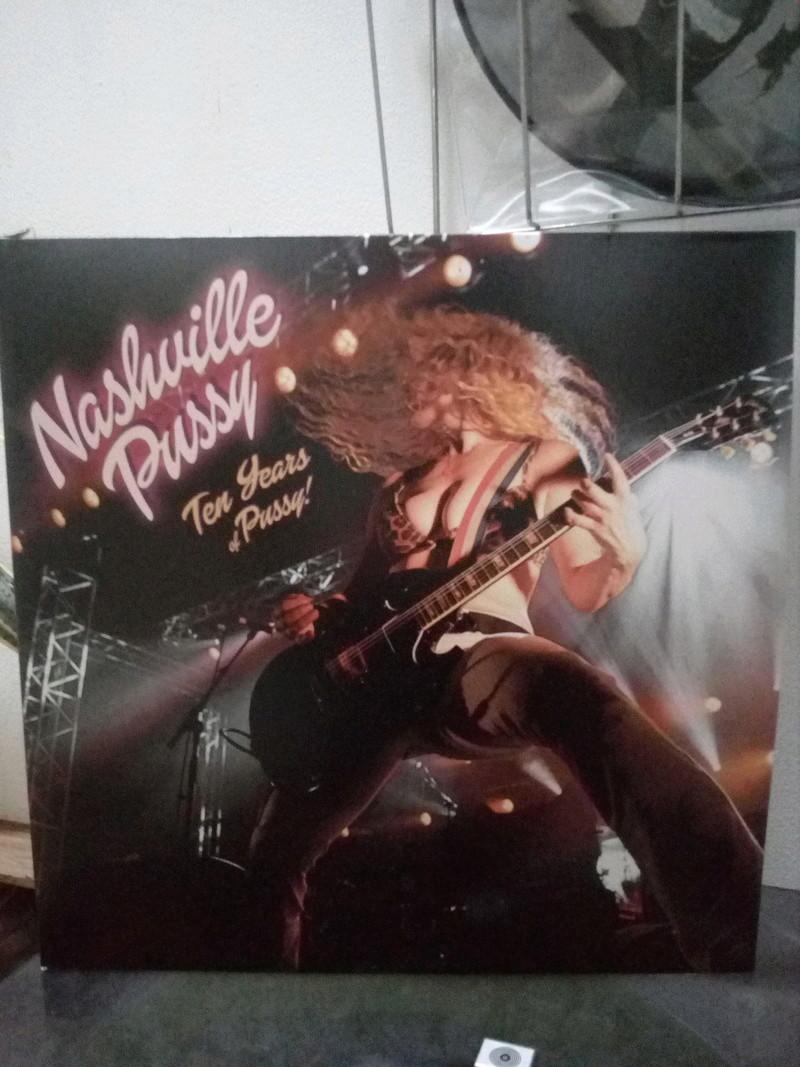 "Pochettes d'albums de métal ""Sexy"" ! Nashvi12"