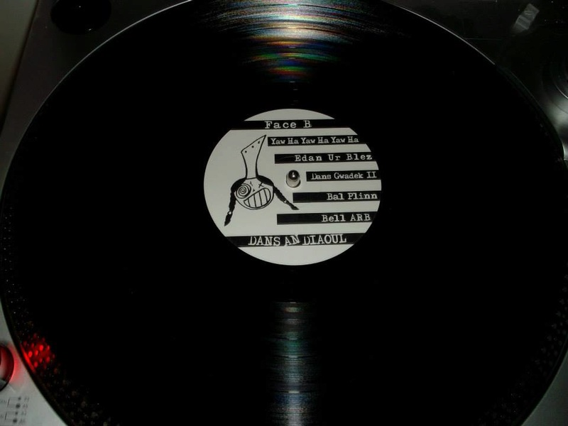 Playlist d'Octobre et Novembre - Ca sent le manque d'inspiration... - Page 6 Ramone10