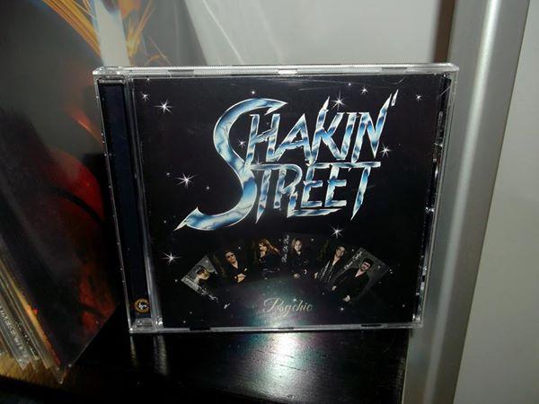 SHAKIN STREET  (1980) Shakin10