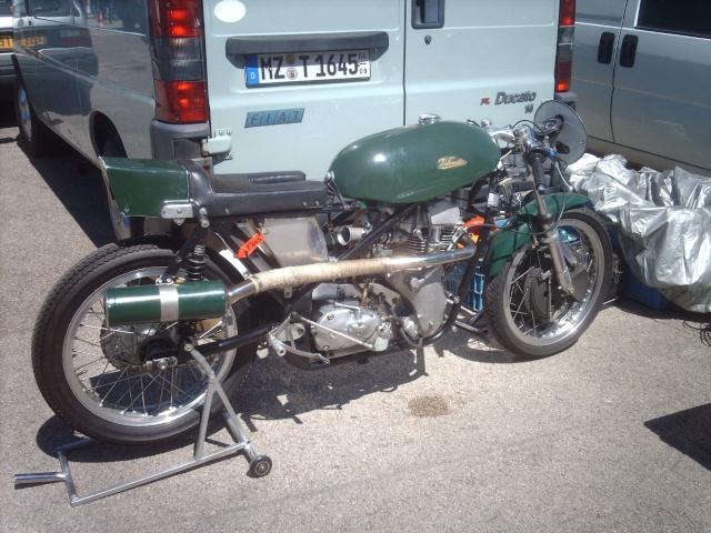 PHOTOS DES COUPES MOTO LEGENDE 2009 - Page 2 Imag3835