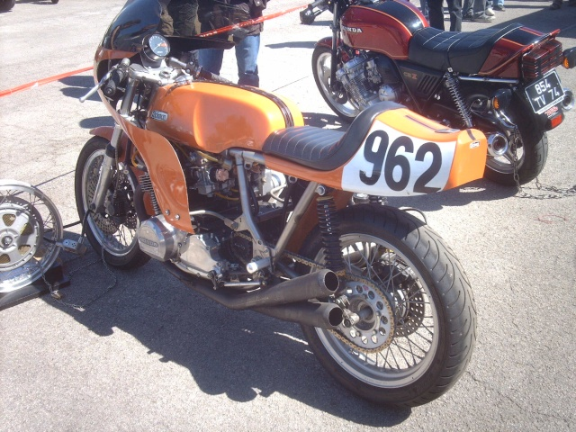 PHOTOS DES COUPES MOTO LEGENDE 2009 - Page 2 Imag3837