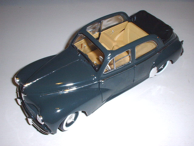 Ma petite collection d'anciennes ..........en miniatures Peugeo35