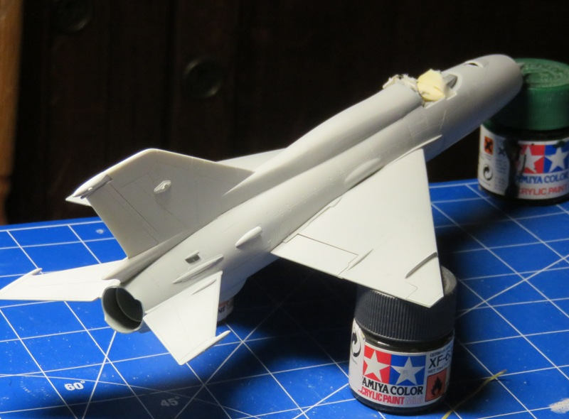 Mikoyan Gurevitch MiG-21MF  [ITALERI 1/48] Img_7435