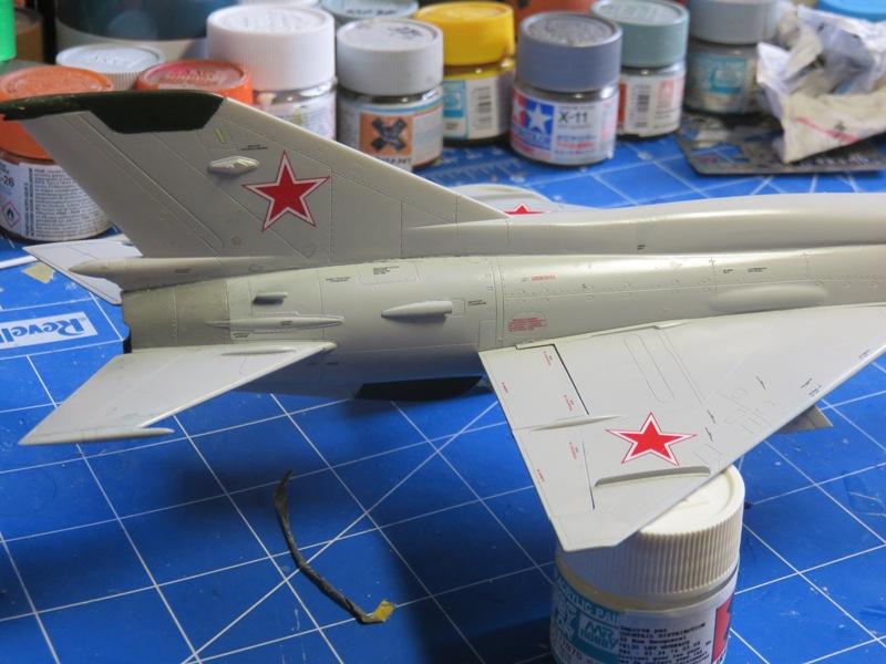 Mikoyan Gurevitch MiG-21MF  [ITALERI 1/48] Img_7512