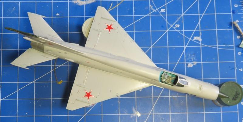 Mikoyan Gurevitch MiG-21MF  [ITALERI 1/48] Img_7513