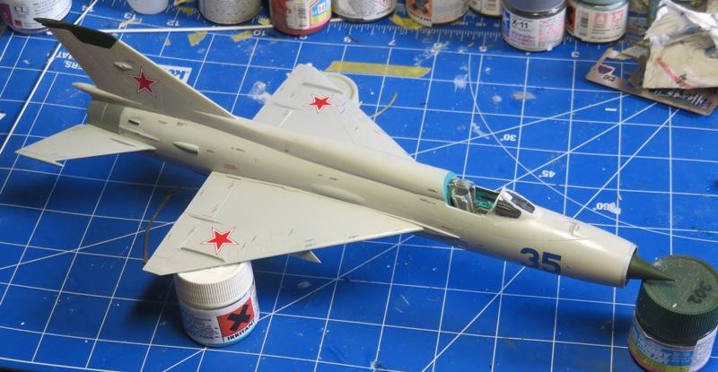 Mikoyan Gurevitch MiG-21MF  [ITALERI 1/48] Img_7514