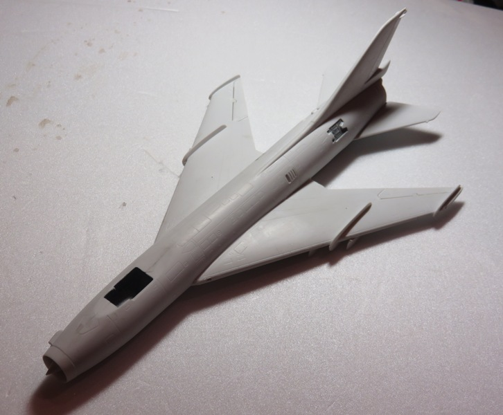 Sukhoi Su-7 [SMER 1/48] Img_7525