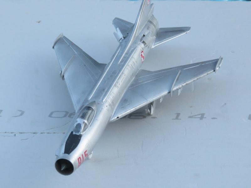Sukhoi Su-7 [SMER 1/48] Img_7610