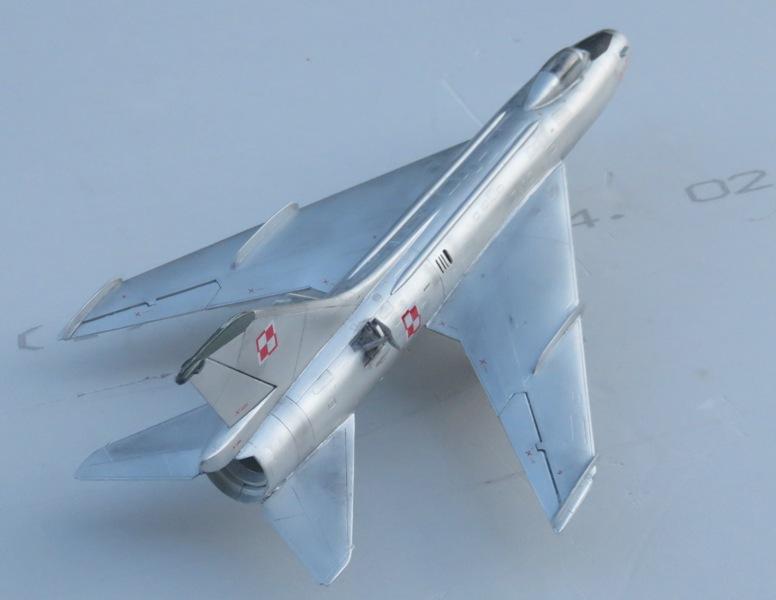 Sukhoi Su-7 [SMER 1/48] Img_7611