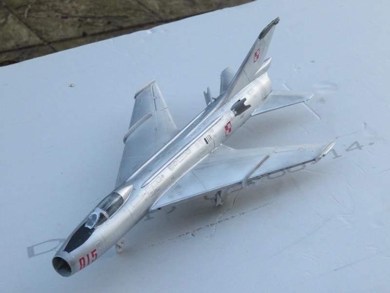 Sukhoi Su-7 [SMER 1/48] Img_7612