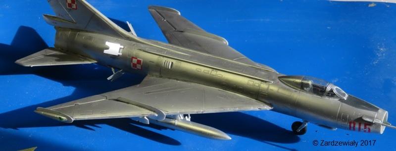 Sukhoi Su-7 [SMER 1/48] - Terminé Img_7613