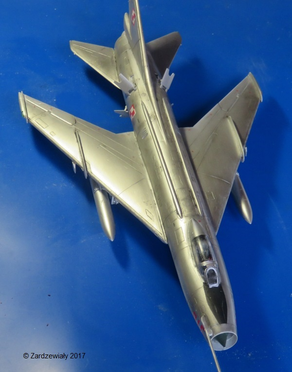 Sukhoi Su-7 [SMER 1/48] - Terminé Img_7615